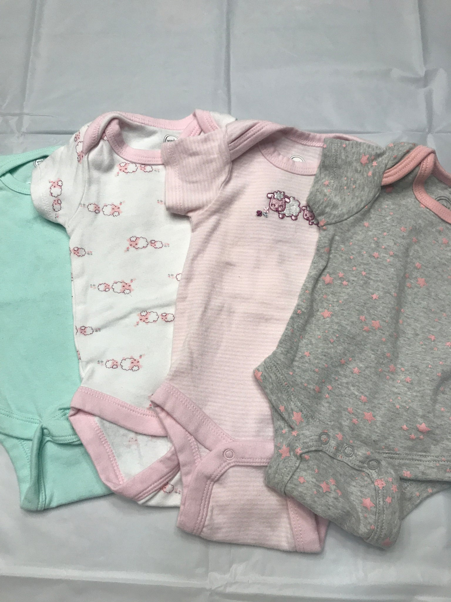 NB months Onsies 4 pack Wonder Nation