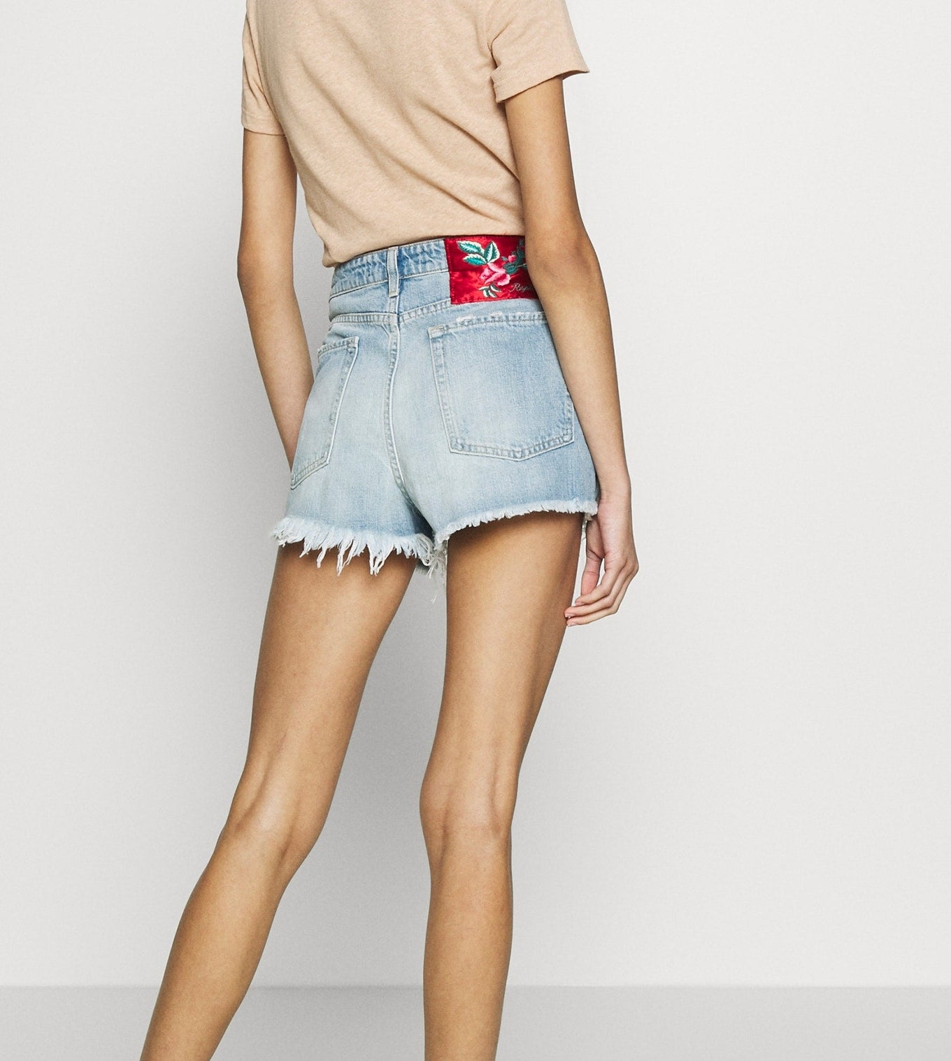 Replay ROSE LABEL DENIM-SHORTS MIT OFFENER UNTERKANTE