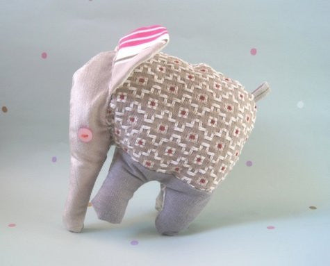 NELLY ELEPHANT SOFT TOY - TUMNES
