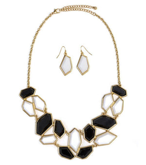 ACRYLIC GEOMETRIC SHAPE AND GOLD TRIMS NECKLACE - White/Black