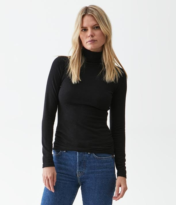 JOJO TURTLENECK RUCHED SIDES