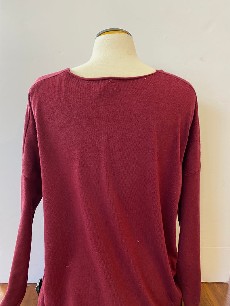 RED CENTER SEAM SWEATER