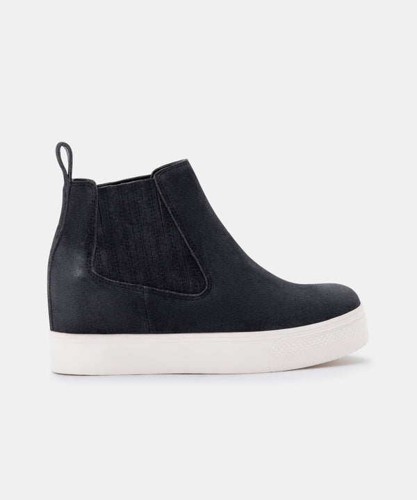 WYND SNEAKER (2 colors)