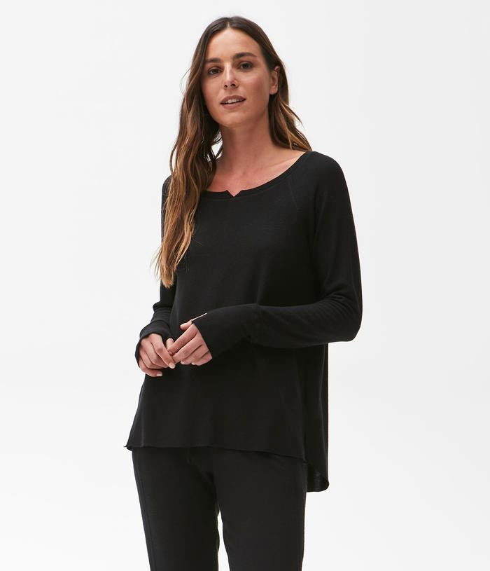 HI-LO NOTCH NECK TOP