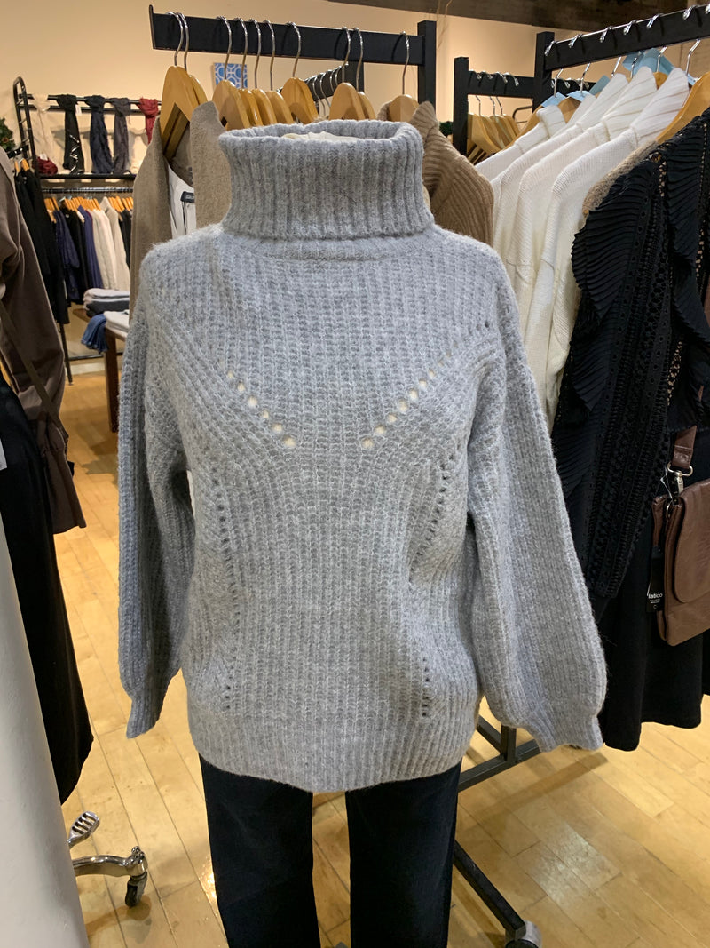 TURTLENECK SWEATER by LUMIERE