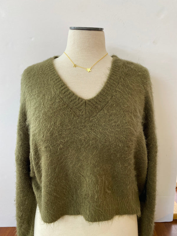 CROPPED OLIVE BELL SLEEVE SWEATER