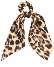 Load image into Gallery viewer, Leopard Print Tail Scrunchie