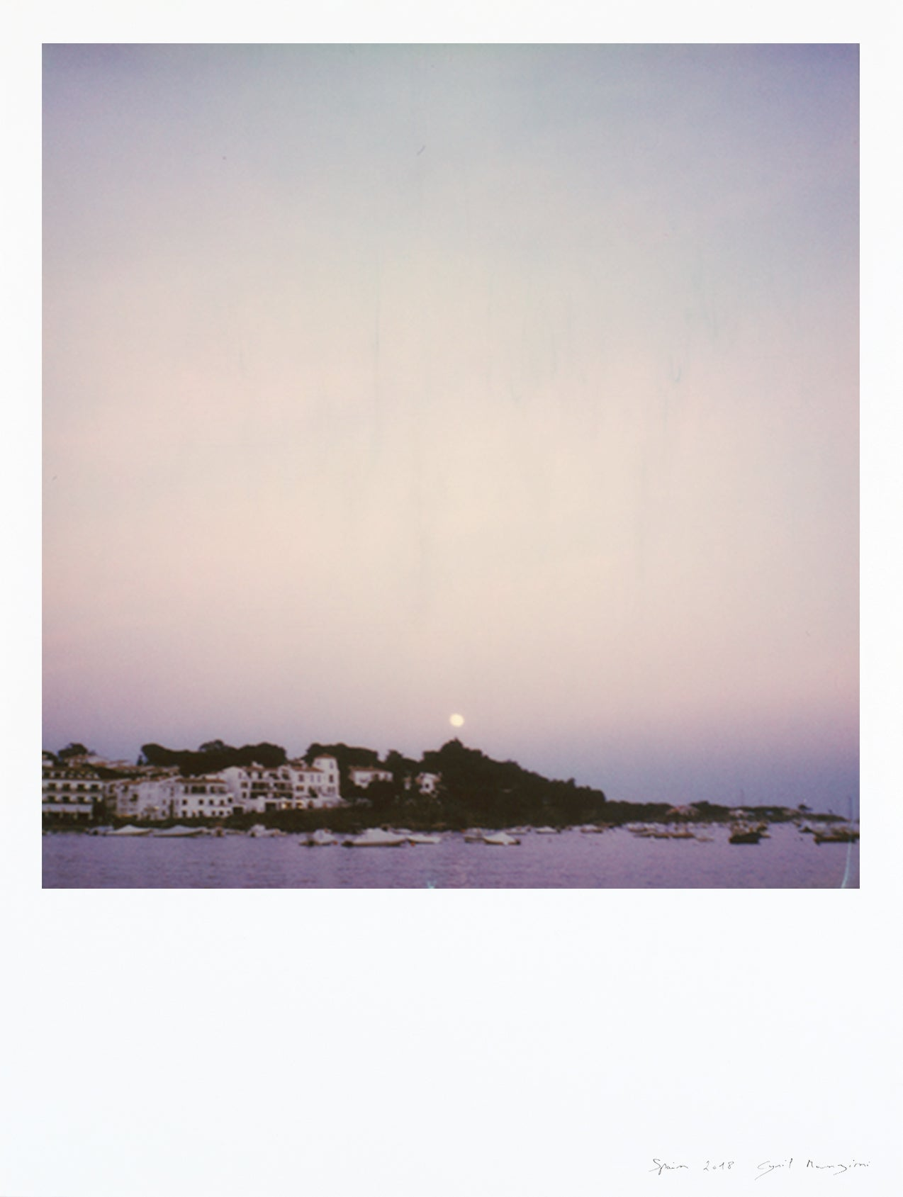 Impression polaroid grand format port de Cadaques au clair de lune