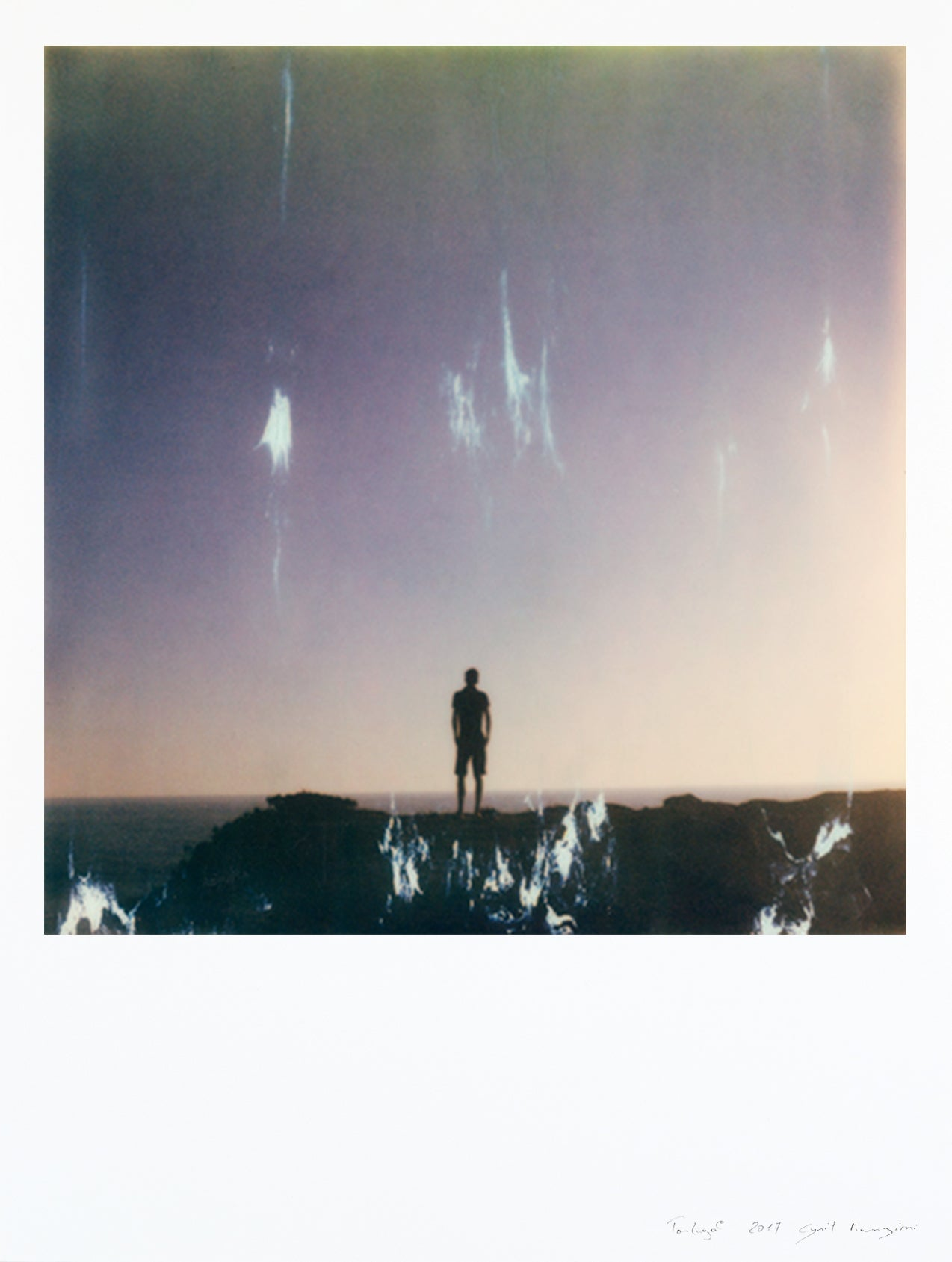 Impression polaroid print large format Portugal man facing the sea photo deco