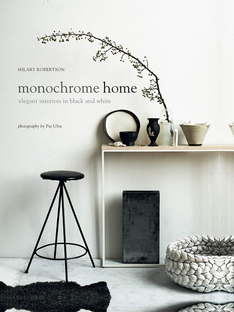 Monochrome Home: Elegant Interiors in Black and White