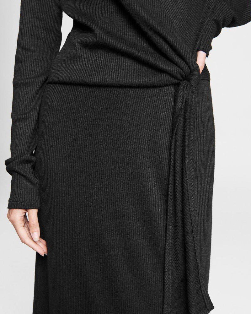 The knit rib tie midi dress
