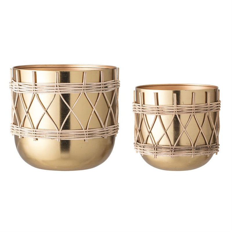 Small gold planter with rattan
