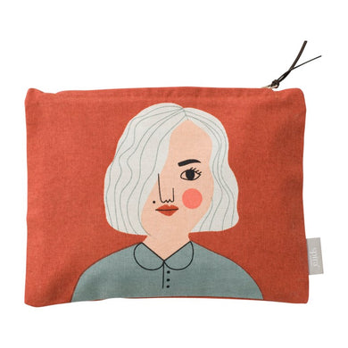 Meet Nike!  Nike studies at an art school and spends all her time at the museum.  This Nike Toiletry Bag will bring you happiness filled with makeup, your favourite pens or why not your travel documents.
