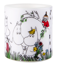 "Load image into Gallery viewer, Moomin ""Happy Family"" Candle"