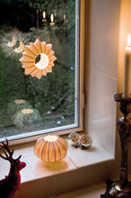 Load image into Gallery viewer, Stella Hanging Tealight Holder