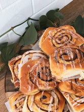 Load image into Gallery viewer, 6pk Par Baked Cinnamon Buns