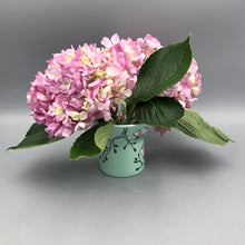 Load image into Gallery viewer, Vase (small and wide) - Magnolia design on stained green porcelain
