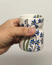 Load image into Gallery viewer, Wine tumbler (5oz) - Forget me not design on porcelain