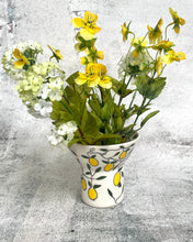 Load image into Gallery viewer, Vase (small and wide) - Lemon design on porcelain