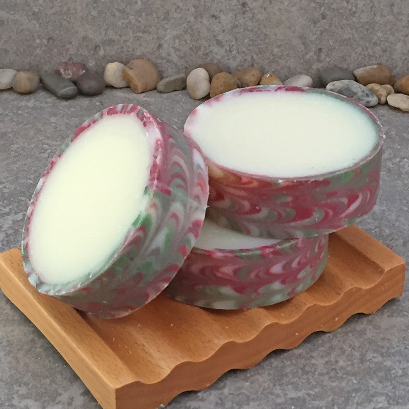 Rimmed Artisan Soap in a Peppermint, Lime and Juniper Fragrance