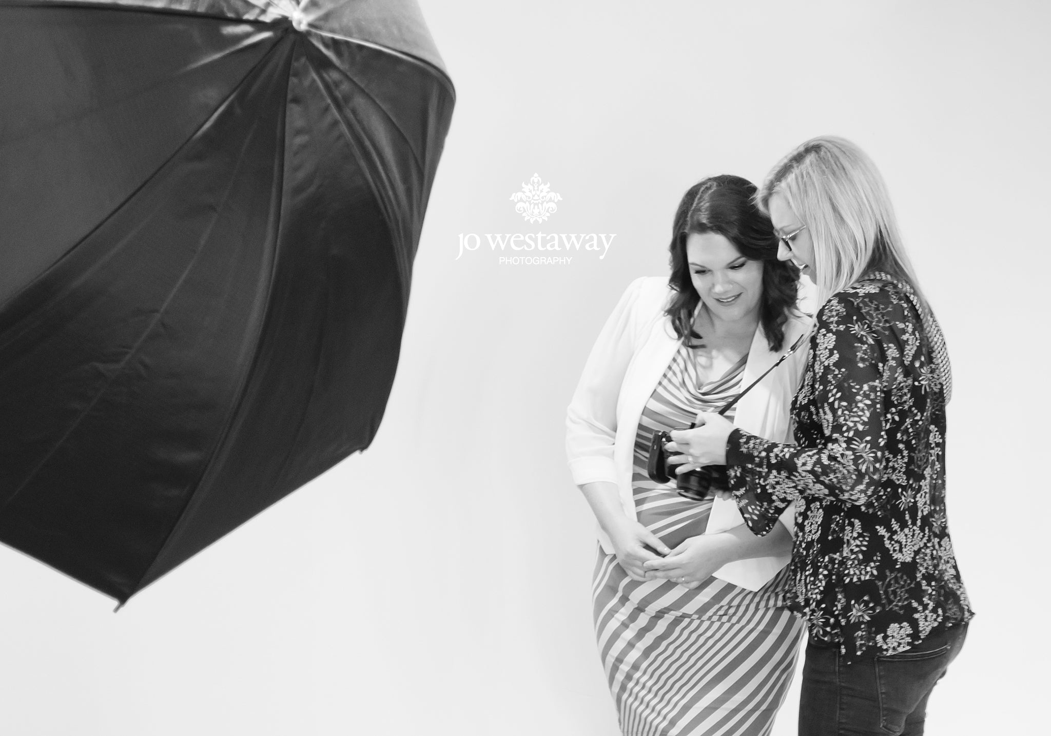 Show a branding client how amazing she looks - personal brand and headshot photography session