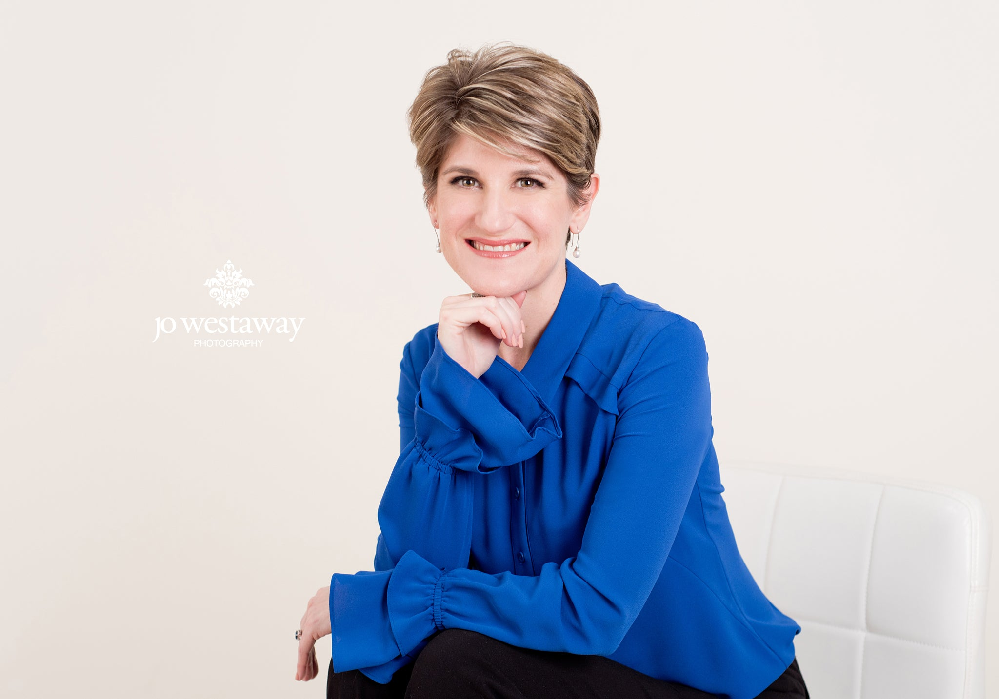 Headshots and profile photos for business women and professionals - Linkedin & Facebook profiles