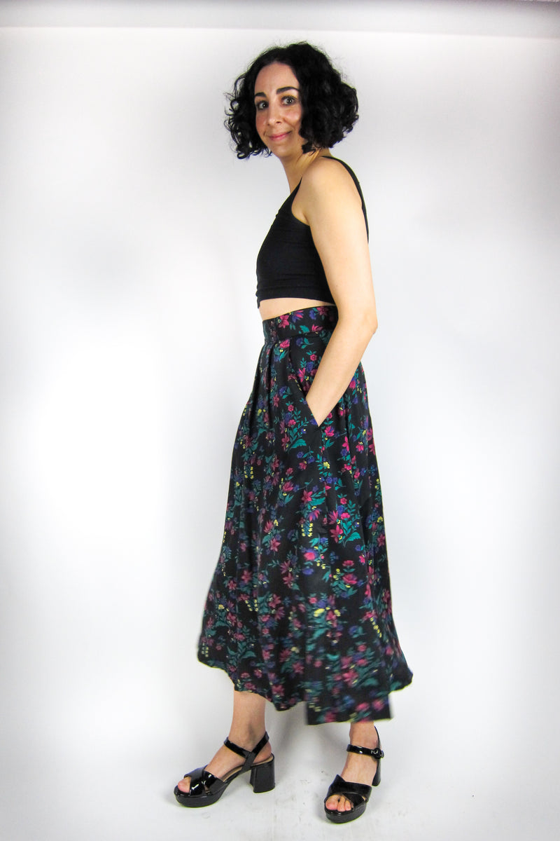 Vintage Dark Floral Pleated Skirt