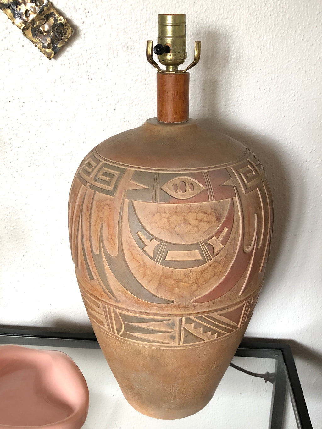 Vintage Earth-Toned Plaster Lamp