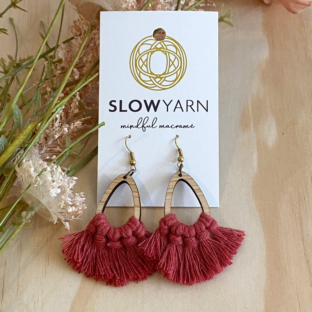 Bamboo Teardrop Macramé Earrings - Red