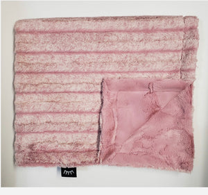 Winx & Blinx Frosted Rosewood Blanket