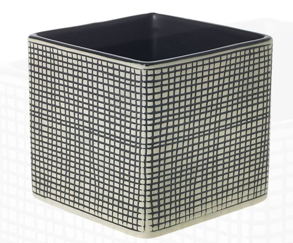 Checkered cube planter