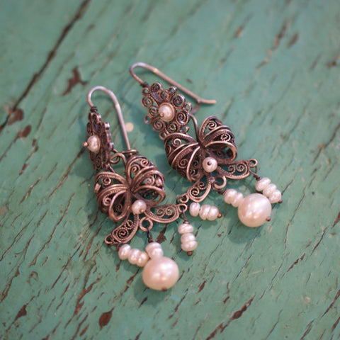 Oaxaca Pearl Earrings with Bows