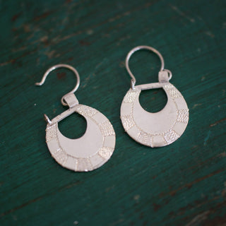 Small Etched Sterling Silver Michoacán Arracadas Earrings - Zinnia Folk Arts