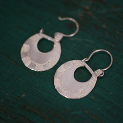 Small Etched Sterling Silver Michoacán Arracadas Earrings