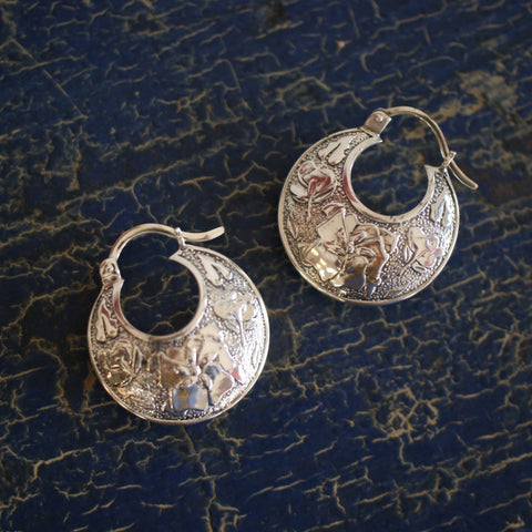 Etched Flower Arracadas, Mexican Sterling Silver Earrings - Zinnia Folk Arts