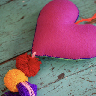Soft Flannel Mexican Hearts, Grande - Zinnia Folk Arts
