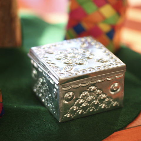 Small Hammered Natural Tin Gift Box with Lid - Zinnia Folk Arts