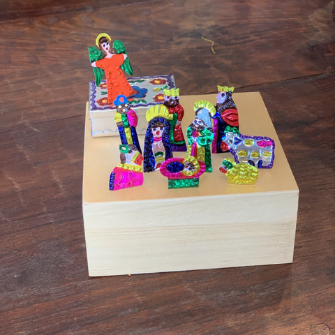 Tiny Fold-Up Tin Nativity Creche with Its Own Box, 10 pieces