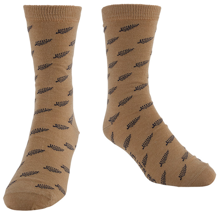 SK390_TAN_M-L_Merino_Little_Fern_Repeat_Socks_The_Motel_Shop_New_Zealand_Souvenirs_RY8MO2NFJXRG.jpg