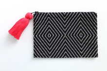 Load image into Gallery viewer, Geo Black and White Glass Bead Clutch