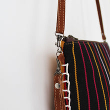Load image into Gallery viewer, Aguacatan Crossbody Clutch