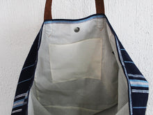 Load image into Gallery viewer, Nahuala Extra Large Classic Tote Bag