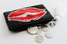 Load image into Gallery viewer, Lips Glass Bead Coin Purse