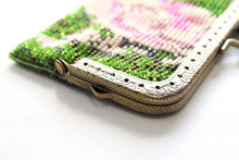 Load image into Gallery viewer, Beaded Flower Purse with Metal Frame and Clasp