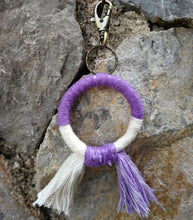 Load image into Gallery viewer, Circle Keychain violet