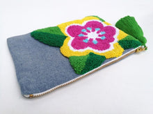 Load image into Gallery viewer, Cosmetic Bag - Pop-Art Flower close