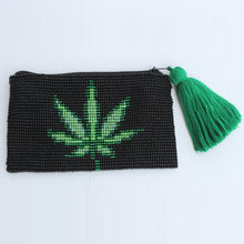 Load image into Gallery viewer, Glass bead coin purse - Leaf
