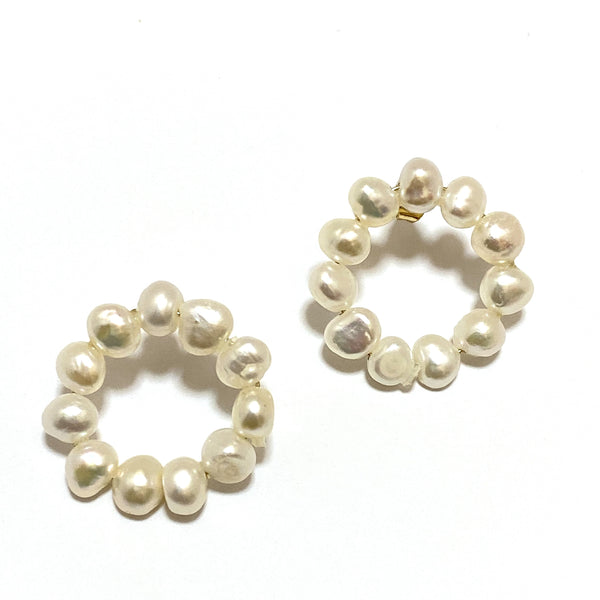 circle pearl design pierce