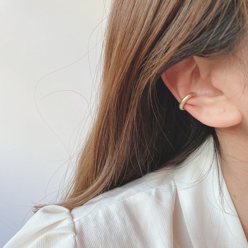 simple matt ear cuff