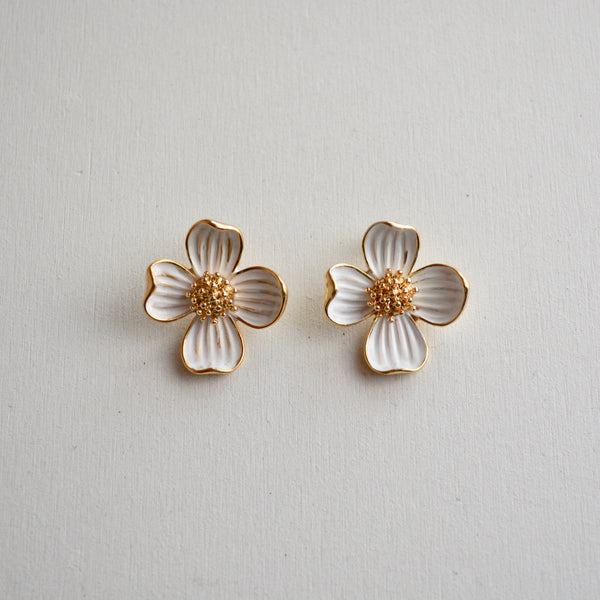 white flower pierce - beller